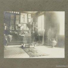 Fotografía antigua: FO-022. FOTOGRAFIA DE ALBUMINA. ESTUDIO DEL PINTOR CUIXART. CIRCA 1940. . Lote 57320874