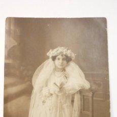 Fotografía antigua: NIÑA DE COMUNIÓN. FOTO ESTUDIO ANGEL MARTINEZ. FECHADA EN 1930. Lote 57428383