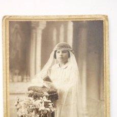 Fotografía antigua: NIÑA DE COMUNIÓN. FOTO ESTUDIO PHOTO-DEU. SABADELL. ORIGINAL. AÑOS 1920S. Lote 57428442