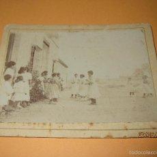 Fotografía antigua: ANTIGUA FOTOGRAFIA GRUPO DE NIÑAS TOMADA EN VILLANUEVA DEL GRAO DE VALENCIA. Lote 57807896
