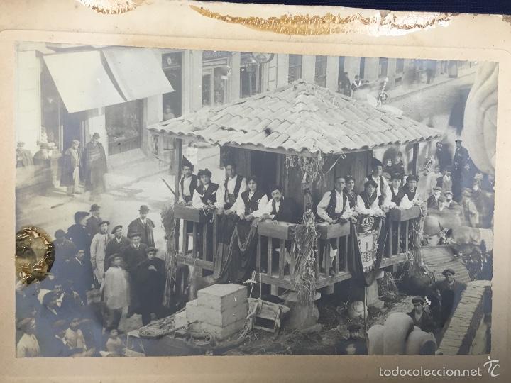 Fotografía antigua: foto albumina falla carroza asturias horreo horchateria a. martinez calle valencia 16x22,5cm - Foto 2 - 58581575