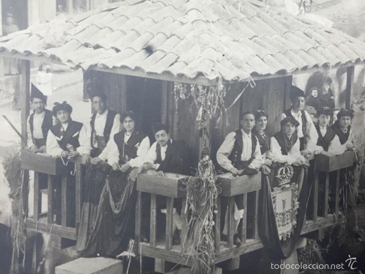 Fotografía antigua: foto albumina falla carroza asturias horreo horchateria a. martinez calle valencia 16x22,5cm - Foto 4 - 58581575