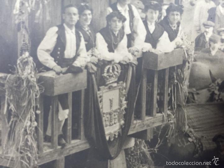 Fotografía antigua: foto albumina falla carroza asturias horreo horchateria a. martinez calle valencia 16x22,5cm - Foto 5 - 58581575