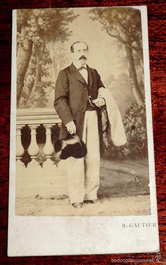 FOTOGRAFIA ALBUMINA TIPO CDV, HOMBRE CON SOMBRERO DE COPA, FOTO H. GAUTIER, MIDE 10,5 X 6 CMS. (Fotografía Antigua - Albúmina)