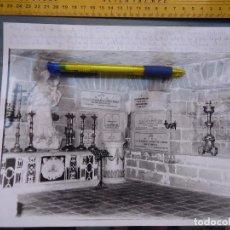 Fotografía antigua: GRAN FOTOGRAFIA CADIZ CATEDRAL CRIPTA DE LA VIRGEN DEL ROSARIO JUNTO A ENTERRAMIENTOS. Lote 61751332