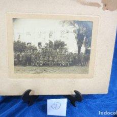 Fotografía antigua: FOTOGRAFÍA DE P.P. DEL XX MILITARES CON SUS MANDOS. Lote 76007059