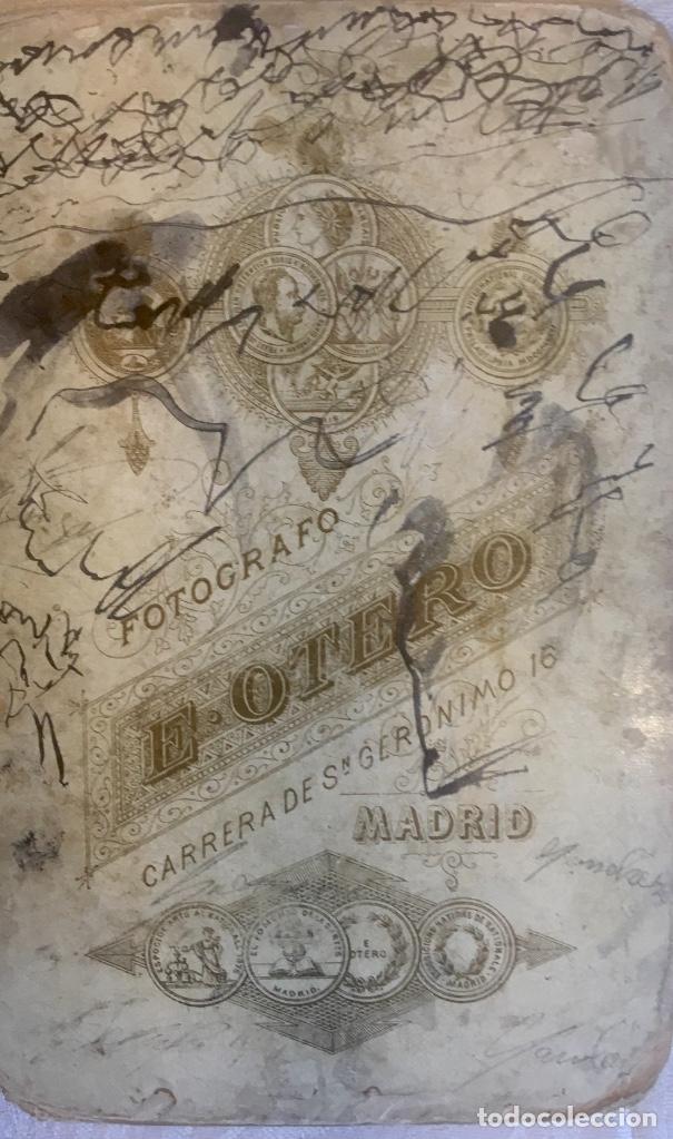 Fotografía antigua: Otero fotografia a doña Francisca Sanz de Puerta madrid retrato posando abanico - Foto 5 - 62366160