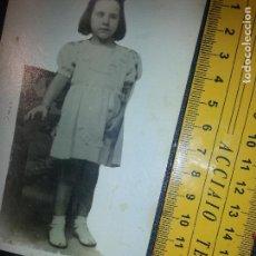 Fotografía antigua: FOTOGRAFIA POSTMORTEM POST MORTEN . NIÑA SUJETA A SILLON . Lote 62551116