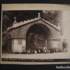 Fotografía antigua: MONTSERRAT - LA FUENTE - FOTO E. PUIG BARCELONA- MIDE 16 X 22 CM - VER FOTOS - (V-6690) . Lote 62607052