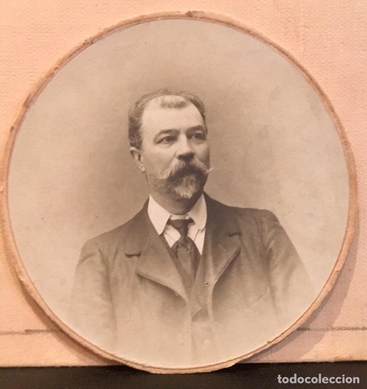 FOTOGRAFIA CABALLERO BIGOTE DEDICADA REDONDA 1909 7,5CMS (Fotografía Antigua - Albúmina)