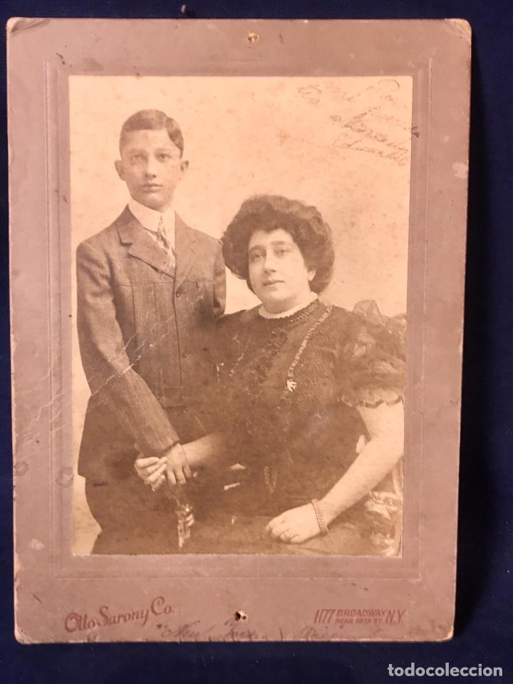 FOTO EMIGRANTES NUEVA YORK N.Y. OTTO SARONY CO MADRE POSANDO CON SU HIJO FIN S XIX 18,3X12,3CMS (Fotografía Antigua - Albúmina)
