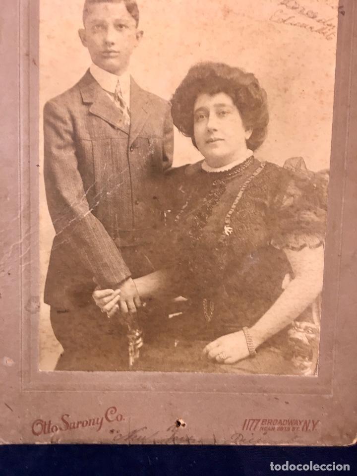 Fotografía antigua: foto emigrantes nueva york N.Y. otto sarony co madre posando con su hijo fin s xIX 18,3x12,3cms - Foto 2 - 65761794