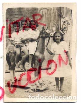 VILASECA 1949 FOTO NIÑOS CON CABALLO CARTON FERIA 6 X 8 CM. (Fotografía Antigua - Albúmina)