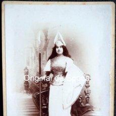 Alte Fotografie - (JX-161122) Fotografía de señorita vestida de Walkiria , siglo XIX o principios del XX - 67288133
