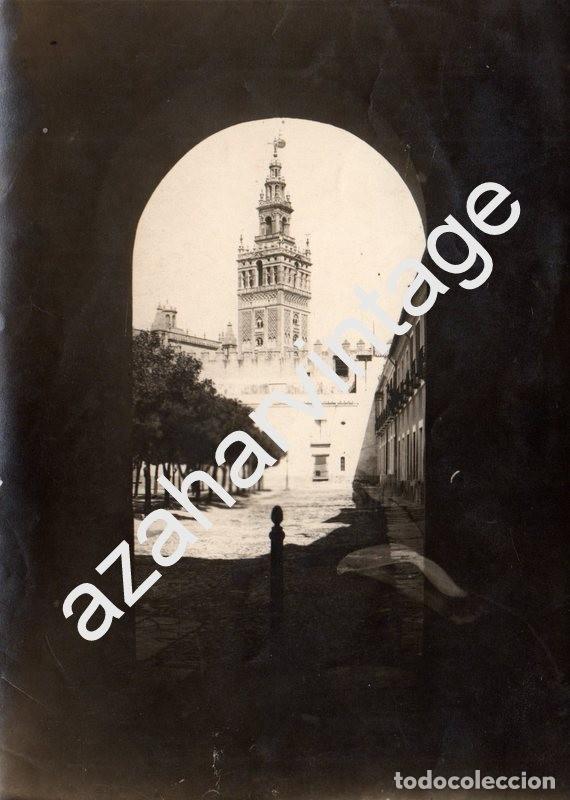 SEVILLA, SIGLO XIX, MAGNIFICA ALBUMINA DEL PATIO BANDERAS, 120X168MM (Fotografía Antigua - Albúmina)