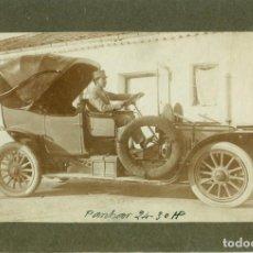 Fotografía antigua: I GUERRA MUNDIAL. SOLDADO FRANCÉS EN UN COCHE PANHARD 24-30 HP. HACIA 1915.. Lote 69953921