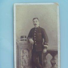 Fotografía antigua: CAPITAN INGENIEROS SIGLO XIX CON QUEPIS Y ESPADIN . DE ALVIACH , MADRID .. 11 X 21 CM. Lote 71637947