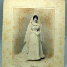 Fotografía antigua: FOTOGRAFÍA ALBÚMINA NOVIA BODA M HUERTA MADRID 1899. Lote 73772979