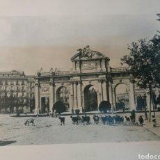 Fotografía antigua: FOTO ANTIGUA. 25X32 MADRID. PUERTA DE ALCALÁ. 1900. Lote 74749609