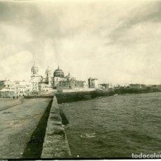 Fotografia antica: CADIZ VISTA GENERAL CATEDRAL HACIA 1890 GRAN TAMAÑO.. Lote 75419047