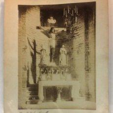 Fotografía antigua: RIPOLL. ALTAR SANTO CRISTO. SIGLO XIX. 22 X 16 CM.. Lote 77156353