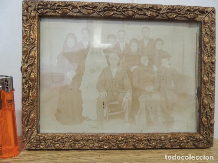 Fotografía antigua: FOTOGRAFIA FAMILIAR AÑO 1900 ENMARCADA - Foto 3 - 77584865