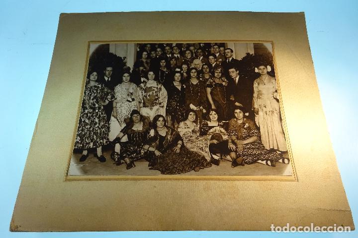 Fotografía antigua: GRAN FOTOGRAFÍA DE FIESTA DE DISFRACES O CARNAVAL - TRAJES CABARET, FLAMENCA, ETC.,ETC... - AÑOS 40 - Foto 2 - 80804027
