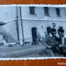 Fotografía antigua: ANTIGUA FOTOGRAFÍA. ESTACIÓN DE TREN LAS MELLIZAS. CARACUEL. ALORA. MÁLAGA. FOTO AÑOS 40. . Lote 81207964