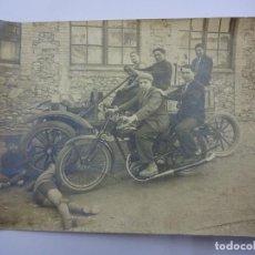 Fotografía antigua: MAGNÍFICA FOTO ALBÚMINA MOTOCICLETA ALCYON MATRÍCULA DE MADRID. AÑOS 1920S. 17 X 12 CTMS.. Lote 84315984