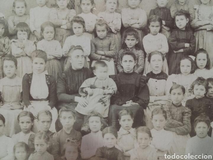 Fotografía antigua: FOTO ANTIGUA DE COLEGIO DE NIÑAS CON SUS PROFESORAS - Foto 2 - 85447546
