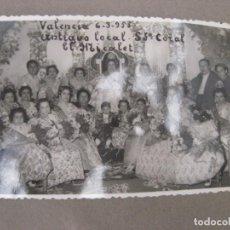 Fotografía antigua: FOTOGRAFIA ANTIGUA FALLERAS FALLAS VALENCIA EN LOCAL ANTIGUO CORAL EL MICALET 1955. Lote 87108332