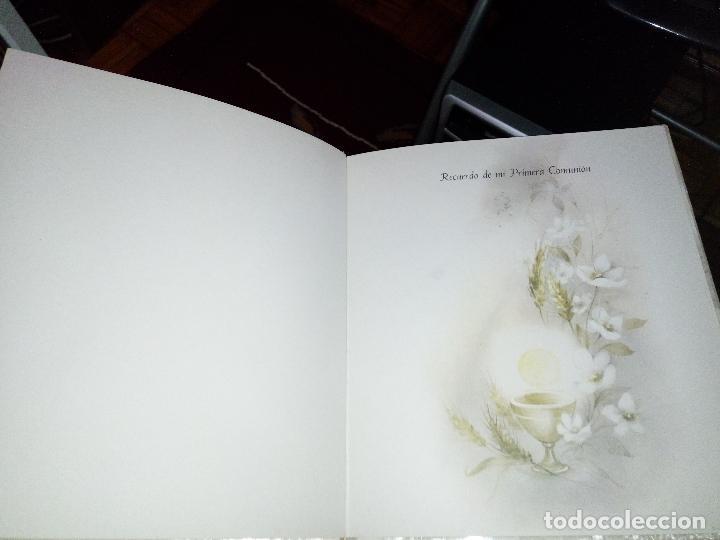 Fotografía antigua: Álbum primera comunión - Foto 4 - 26676943