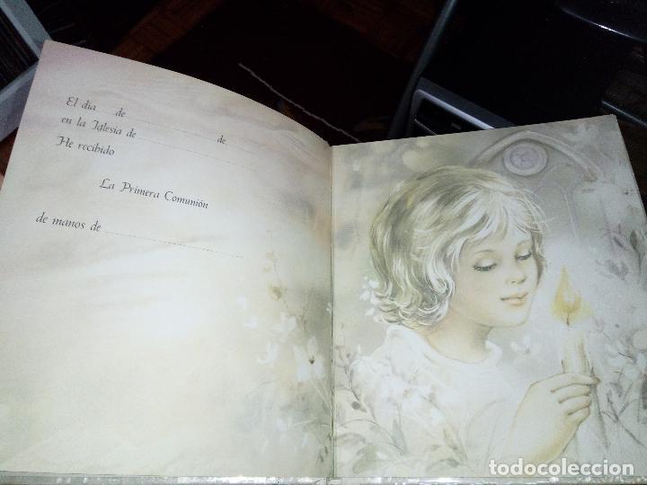 Fotografía antigua: Álbum primera comunión - Foto 5 - 26676943