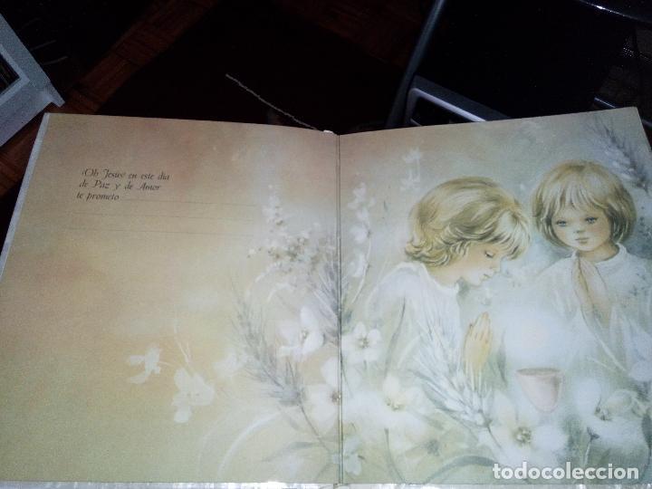 Fotografía antigua: Álbum primera comunión - Foto 7 - 26676943