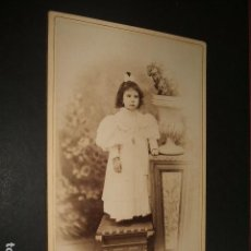 Fotografía antigua: LEON RETRATO DE NIÑA GERMAN GRACIA FOTOGRAFO HACIA 1890 ALBUMINA. Lote 93624495