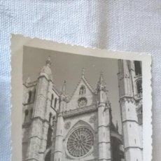 Fotografía antigua: 44-FOTO TROQUELADA, CATEDRAL DE LEON, AÑOS 60. Lote 96115303