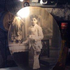 Fotografía antigua: ANTIGUA FOTOGRAFIA DE GRAN TAMAÑO DE NIÑO DE PRIMERA COMUNIÓN AÑOS 30. Lote 96985863