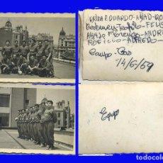 Fotografia antiga: 2 FOTOGRAFÍA FUTBOL CAMPO GAS 1959 CON LOS NOMBRES DEL GRUPO. Lote 98576919