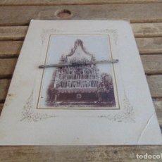 Fotografía antigua: FOTO FOTOGRAFIA ALBUMINA ALTAR CON VIRGEN A IDENTIFICAR SEMANA SANTA PONE UTRERA SEVILLA . Lote 104990163