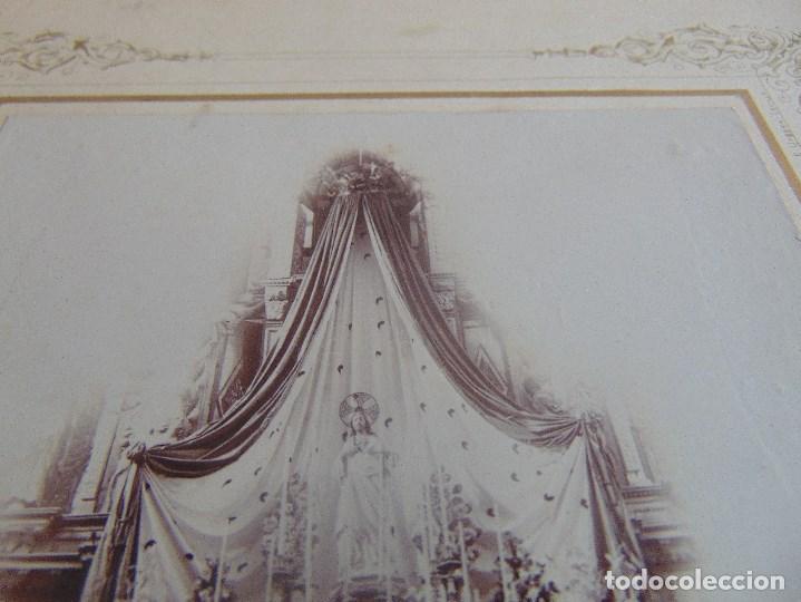 Fotografía antigua: FOTO FOTOGRAFIA ALBUMINA ALTAR CON VIRGEN A IDENTIFICAR SEMANA SANTA PONE UTRERA SEVILLA - Foto 3 - 104990163