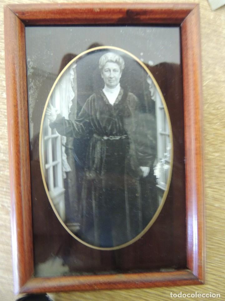 Fotografía antigua: antigua fotografia con marco antiguo 1910 - Foto 3 - 107617411