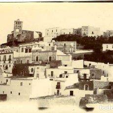 Fotografía antigua: IBIZA (BALEARES). VISTA PARCIAL. DECADA DE 1890. TAMAÑO 6,6X11,2 CM. REPORTAJE DE UN VIAJERO FRANCÉS. Lote 109150683