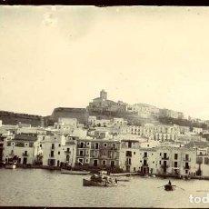 Fotografía antigua: IBIZA (BALEARES). PANORÁMICA DESDE EL MAR. DECADA DE 1890. TAMAÑO 6,6X11,2 CM.. Lote 109150983