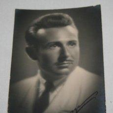 Fotografía antigua: FOTOGRAFIA ANTIGUA, ARTISTA A IDENTIFICAR, PACO AÑO 1941 FIRMADA Y DEDICADA. Lote 110284007