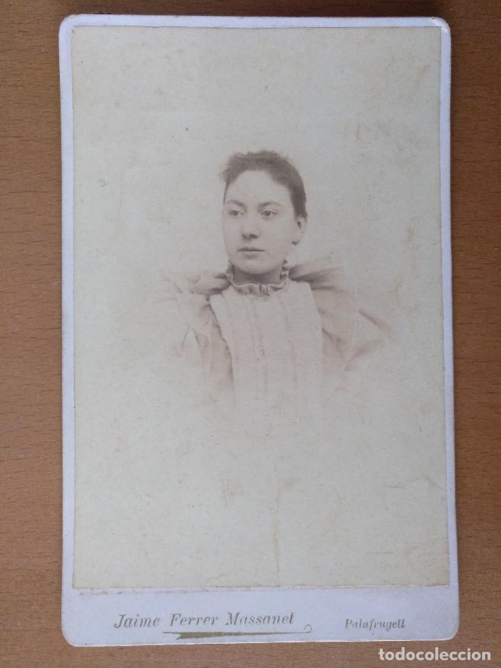 FOTO DE ESTUDIO DE UNA JOVEN JAIME FERRER MASSANET. PALAFRUGELL (GIRONA) (1900) (Fotografía Antigua - Albúmina)