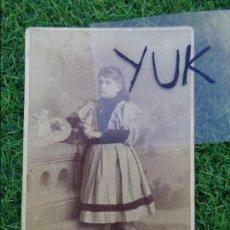 Fotografía antigua: FOTOGRAFIA ALBUMINA DE UNA JOVEN, REALIZADA POR EL FOTOGRAFO J.A SUAREZ Y CIA HABANA CUBA,. Lote 112235167