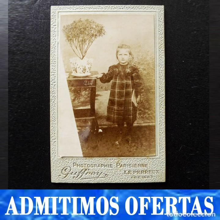 RETRATO ESCOLAR DE UNA NIÑA, ALBÚMINA, FINALES DEL XIX (Fotografía Antigua - Albúmina)