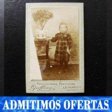 Fotografía antigua: RETRATO ESCOLAR DE UNA NIÑA, ALBÚMINA, FINALES DEL XIX. Lote 112901863