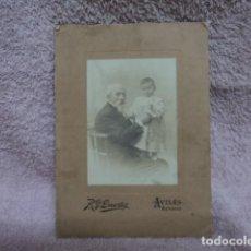 Fotografía antigua: MAGNIFICA FOTOGRAFIA ANTIGUA ABUELO Y NIÑO POR DUARTE FOTOGRAFO DE AVILES ASTURIAS VINTAGE. Lote 113430699