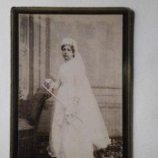 Fotografía antigua: FOTOGRAFIA ANTIGUA DE NOVIA CON TRAJE DE BODA ALBUMINA-1930 . Lote 113581883